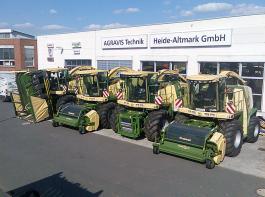 Die Häckselkette muss unbedingt rollen – bei Bedarf auch mit einer Ersatzmaschine, von denen die Agravis Technik Heide-Altmark GmbH insgesamt vier vorhält.