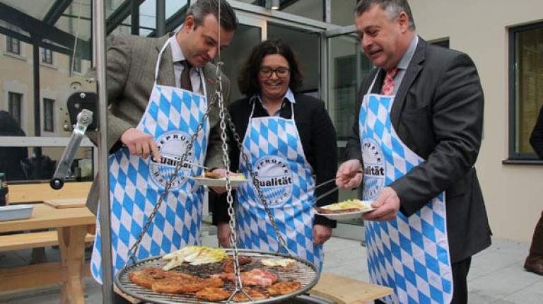 Georg Schlagbauer (Pr�sident des Bayerischen Handwerktags, Eva Maria Rieger (Ern�hrungsfachfrau) und BBV-Pr�sident Walter Heidl beim Neujahrs-Pressegespr�ch 2016.
