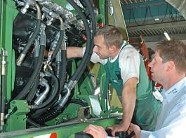Einen guten Service für Häcksler zu bieten, ist für Landmaschinen-Fachhändler eine Herausforderung der Königsklasse.