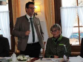 Rege diskutiert wurde bei der AfH-Versammlung in Saig (von links): AfH-Vorsitzender Oswald Tröndle, Landwirtschaftsminister Peter Hauk, Landrätin Dorothea Störr-Ritter und BLHV-Präsident Werner Räpple.