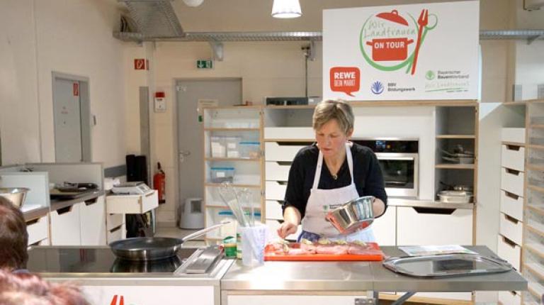 Aus regionalen Zutaten zauberte Irmgard Inninger, Ernährungsfachfrau im BBV-Bildungswerk, verschiedene Frühlingsgerichte.