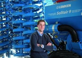 Lukas Voss ist seit dem 1. Januar 2014 bei Lemken im niederrheinischen Alpen beschäftigt.