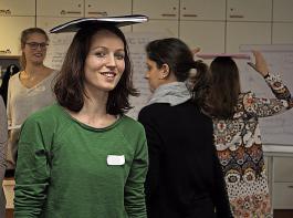 Aufrechter Gang lässt sich leicht üben – wie die Teilnehmerinnen in Ihringen erfuhren.