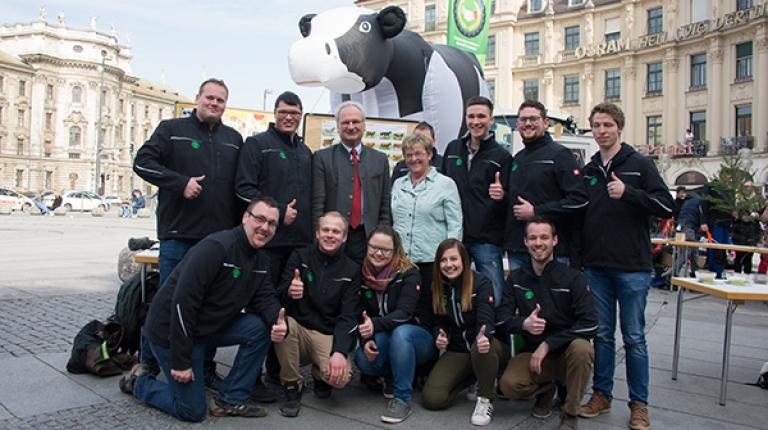 Der 123. Herrschinger Grundkurs gemeinsam mit BBV-Generalsekretär Hans Müller und der stellvertretenden Landesbäuerin Anni Fries