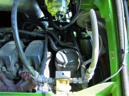 Für die Verbrauchsmessung wurde ein elektronischer Durchflussmengenzähler in den Kraftstoffförderkreislauf eingebaut.