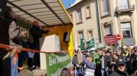 HBV-Vizepräsident Volker Lein auf der Bühne