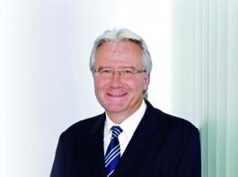 Wolfgang Zahn trat im Februar 1999 als stellvertretendes Vorstandsmitglied bei der Stihl AG ein. Seit Juli 1999 ist er zum Vorstand Entwicklung bestellt. Sein Aufgabengebiet umfasst die gesamte Forschung und Produktentwicklung weltweit.