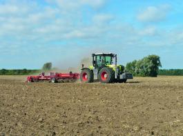 Mit dem Tiger 8XL wird nach Getreide der zweite und eventuell dritte Arbeitsgang der Stoppelbearbeitung erledigt.