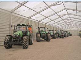 Seit 2003 ist das Lohnunternehmen anerkannter Fachbetrieb, der auch in den Berufen Fachkraft Agrarservice und Mechaniker für Land- und Baumaschinentechnik ausbildet.