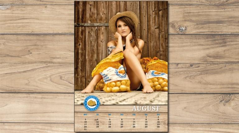 F�r den August hat Katharina Diepold posiert.