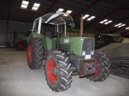 Der erste Fendt-Traktor des Landtechnischen Lohnunternehmens, ein Fendt 611 S, steht frisch restauriert in einer Tesper Maschinenhalle – und zwar fahrtüchtig.