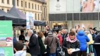 Großen Anklang fanden die regionalen Grillspezialitäten Milseburger und Rhöndöner beim Aktionstag in Fulda.