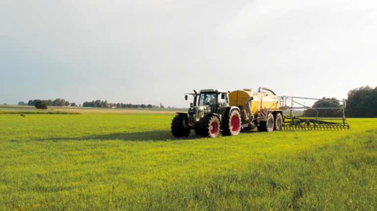 Die Praxis auf bayerischen Betrieben muss bei neuen Regelungen für Düngung berücksichtigt werden.