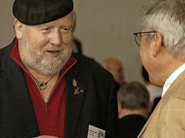 Die Landesversammlung als Ort der Begegnung: Man trifft sich, man tauscht sich aus. Im Bild links Georg Rauch, Vorsitzender des BLHV-Kreisverbandes Überlingen.