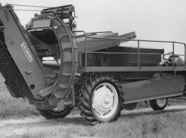 Vom ersten Selbstfahrer aus dem Jahre 1969 gibt es nur wenige Fotos. Werkfoto