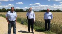 Dr. Matthias Mehl, Landwirt, Markus Frank, Wirtschaftsdezernent Frankfurt, und Karsten Schmal, HBV-Präsident