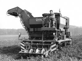 Der DS 100 wurde von 1975 bis 1985 gebaut. Werkfoto