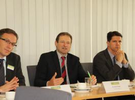 Zufrieden mit den ZG-Unternehmenszahlen für 2014 zeigten sich (von links) Pressesprecher Jens Kreutzfeldt und die Vorstände Ewald Glaser und Gary Rölle.