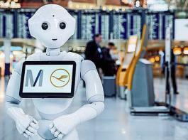 """Im Einsatz am Flughafen: der humanoide Roboter """"Josie Pepper"""""""