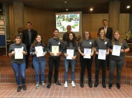 Sieben Schüler und Schülerinnen der Edith-Stein-Schule in Freiburg erhielten Preise im Wettbewerb der  Agrar-Gymnasien.