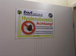 Größte  Sorgfalt bei  Hygienemaßnahmen ist für die Geflügelhalter im Land weiterhin ein Muss.