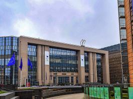 In Brüssel (im Bild links Rat, rechts Kommission) ging es am Montag im EU-Agrarministerrat vorrangig um die künftige Gemeinsame Agrarpolitik (GAP) und ihre stärkere  Ausrichtung auf Klima- und Umweltziele. Intensives Diskussionsthema war zudem  das Mercosur-Abkommen.