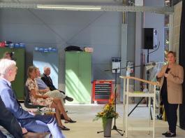 Zur Eröffnung gratulierte Kultusministerin Susanne Eisenmann  (rechts).