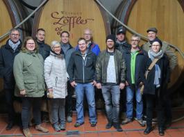 Die aktuelle Teilzeitklasse Weinbau. Beim Weingut Löffler reift ihr Schulwein.