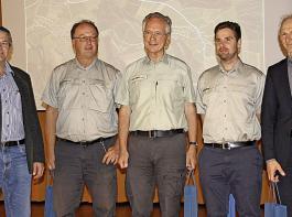 Von links nach rechts: Oswald Tröndle und die Referenten Professor Ulrich Kohnle, Helge von Gilsa, Konstantin Straub und Dr. Bernd Wippel.