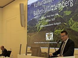 Minister Peter Hauk würdigte zum Auftakt die Arbeit der Landwirte und Winzer: Die Kulturlandschaft sei die Frucht  ihrer jahrhundertelangen Arbeit.