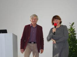 Wolfgang Bauer und Moderatorin Angelika Appel  vom Regierungspräsidium Karlsruhe