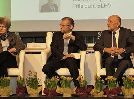Diskussionsrunde mit grenzüberschreitender Beteiligung bei der Landesversammlung des BLHV in Freiburg.