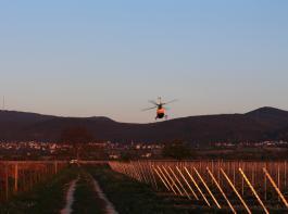 Hubschraubereinsatz in  den frühen Morgenstunden: Kalte und wärmere Luft werden verwirbelt.