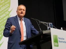 Joachim Rukwied wurde mit 81,6 Prozent wiedergewählt. Damit bleibt er weitere vier Jahre Präsident des Deutschen Bauernverbandes.