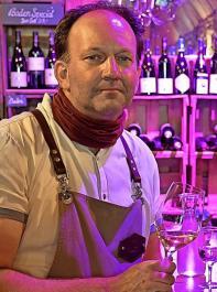 Axel Maier ist gelernter Restaurantfachmann und Sommelier. Er ist Mitinhaber des familiengeführten Schwarzwaldgasthofs Zum Goldenen Adler in Oberried. Zwei Brüder betreiben ihn mit ihren Familien in fünfter Generation. Der Gasthof ist als Weinsüden-Hotel und als Haus der Baden-Württemberger Weine ausgezeichnet.