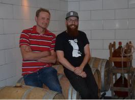 Die Vorsitzenden der Generation Pinot: Jonas Landerer und Michael Zimmer (v.l.)