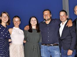 Die Sieger im Weinbau (v.l.): Weinbau I: Katharina Rößler (3. Platz), Jessica Himmelsbach (2. Platz), Kristin Antweiler (1. Platz); Weinbau II: Christoph Baum-Barth (1. Platz), Martin Brengartner (2.Platz), Paul Krug (3. Platz).