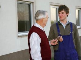 Bei der Sonderförderung für  Junglandwirte pocht die EU- Kommission darauf, dass die  Kinder vom ersten Jahr der An- tragstellung an tatsächlich über die Entscheidungsgewalt im  Betrieb verfügen müssen.