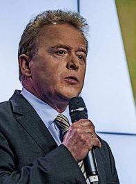 Der neue EU-Agrarkommissar Janusz Wojciechowski ist im Amt. Am 16. Dezember wird der Pole  beim EU-Agrarrat erstmals mit den Landwirtschaftsministern der EU zusammentreffen. Sein Vorgänger Phil Hogan bleibt in der Kommission: Er ist jetzt EU-Handelskommissar.