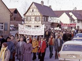 Quer durch alle Bevölkerungsschichten gingen die Kaiserstühler in ihren Dörfern auf die Straße.