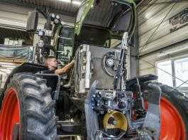 Mit der Landwirtschaft in direktem Zusammenhang  stehen viele praxisorientierte Berufe.