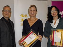 Andreas Braun (TMBW) überreichte die Urkunden an Alixe Winter und Angelika Reiner (von links).