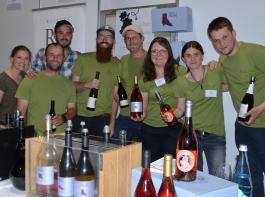 Gemeinsam stellten Jungwinzer der Generation Pinot ihre Produkte vor.