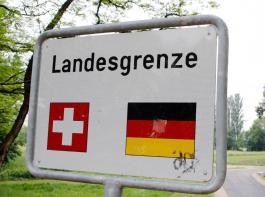Im Grenzgebiet zur Schweiz ist die Welt für südbadische Landwirte alles andere als in Ordnung.