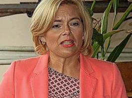 """""""Ich kann den deutschen Bauern nicht vermitteln, warum das Bundeslandwirtschaftsministerium und das BVL eine faktische Enteignung in Höhe von mindestens zehn Prozent ihrer Äcker betreiben sollten, wenn das für ihre Kollegen im Rest der EU nicht gilt"""", betonte Bundeslandwirtschaftsministerin Julia Klöckner."""