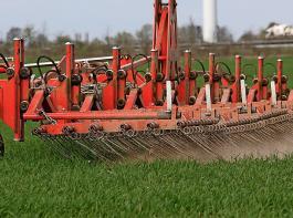 Die EU-Kommission nimmt bei der Umsetzung der EU-Ökoverordnung den Fuß vom Gas und löst damit fast rundum Zustimmung aus.
