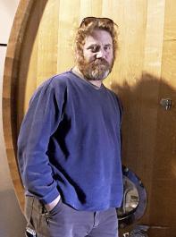 Gaby Sadan hat seine Ausbildung in Frankreich durchlaufen. In Israel hat er die Shvo Winery aufgebaut, die 80.000 Flaschen pro Jahr erzeugt.