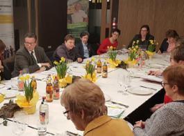 Die Vertreterinnen der AGL trafen sich zum Gespräch mit Minister Peter Hauk im Haus der Bauern.