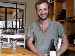 Oren Kedem, Winemaker in der Assaf Winery, preist das ideale Klima des Golan. Die Reben des Weingutes wachsen in Höhenlagen zwischen 500 und 900 Meter.