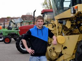 """""""Ich wollte trotz akademischer Ausbildung in der Praxis arbeiten"""", erklärt Lars Geppert, Azubi für Land- und Baumaschinenmechatronik."""